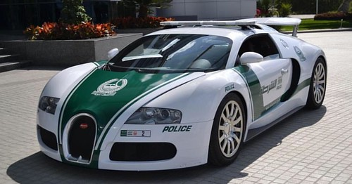 Your car needs to be able to hit 410km/h to outrun this cop in Dubai now... #policecars #bugattiveyron #dubai #supercar #exoticcars