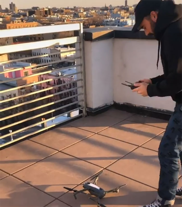 An American uses a drone to meet a girl during social distance 5e7c69be421a7 700